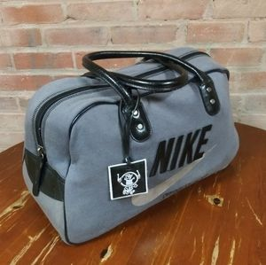 Nike | MUST SEE🎈Vtg. Duffle Travel Bag Grey